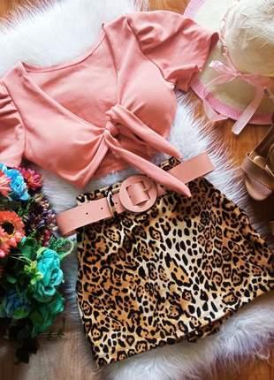 Conjunto justo curto short saia + cinto com cropped com decote de amarrar c26