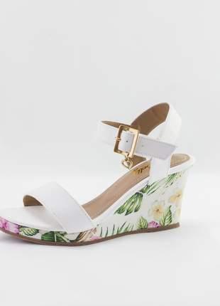 Sandália anabela debelly branca com estampa floral