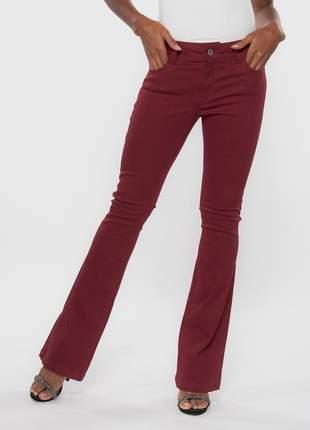 Calça feminina cintura alta levanta bumbum skinny flare sarja