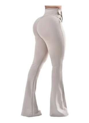 Calça feminina maxi flare com cinto