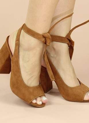 Sandália salto flare, com amarra no tornozelo