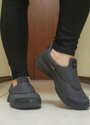 Tênis feminino calce fácil slip on conforto
