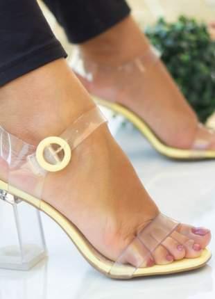 Sandália amarelo salto grosso transparente translúcida