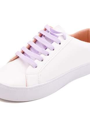 Tenis feminino branco casual estiloso com cadarço