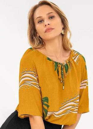 Blusa feminina khyara estampada mostarda 61922352014