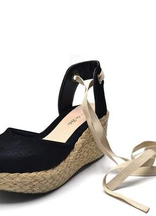 Sandália anabela salto médio em nobucado preto amrrar na perna