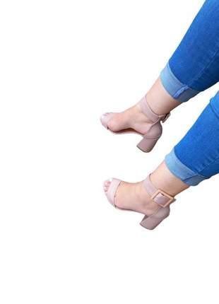 Sandália salto alto grosso bloco leve fivela confortável lançamento