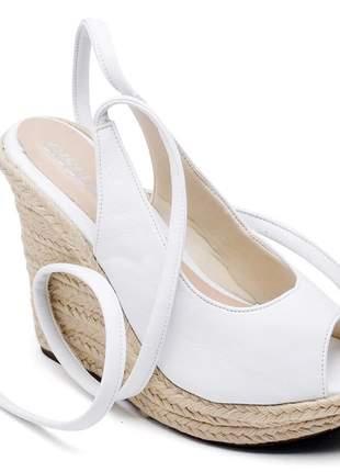 Sandália anabela branca amarrar na perna salto plataforma corda