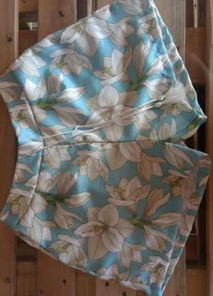 Shorts curto florido