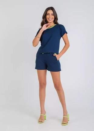 Conjunto de shorts e blusa de moletinho
