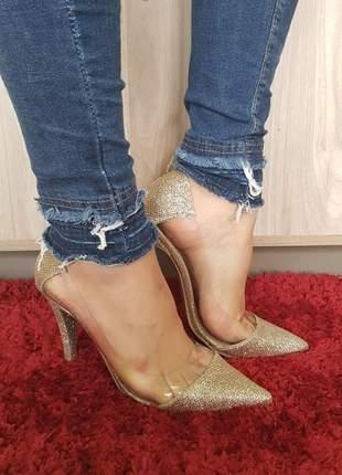 Sapato scarpin sobressalto vinil dourado transparente