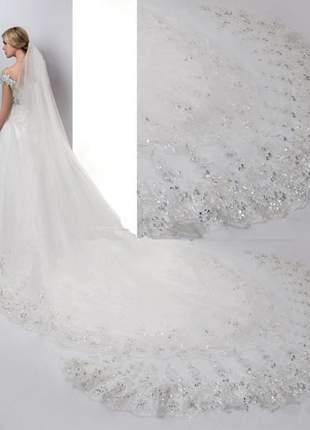 Véu comprido de casamento em tule e renda com lantejoulas no bordado com 4 metros