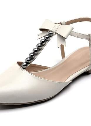 Sandália rasteira feminina bico fino bege bolas laço couro