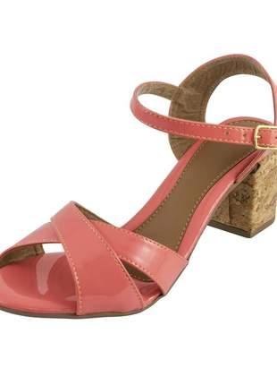 Sandália com tiras cruzadas di stefanni rosa flamingo verniz