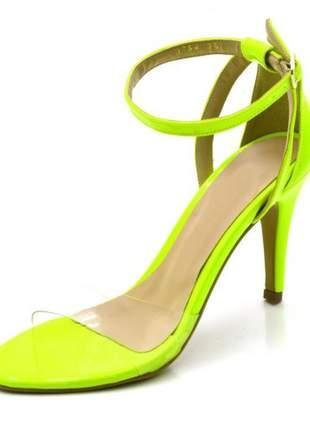 Sandália salto alto com alça e fivela em napa verniz amarelo neon