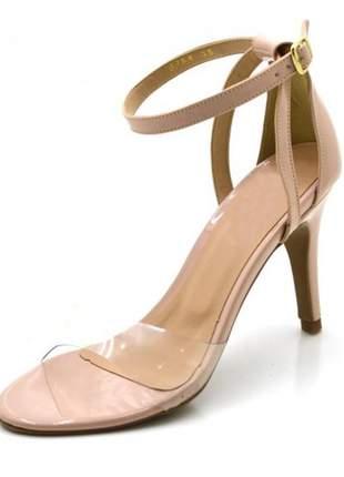 Sandália salto alto com alça e fivela em napa verniz nude