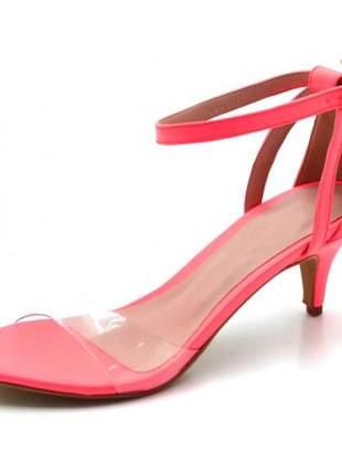 Sandália feminina salto baixo fino em napa neon rosa