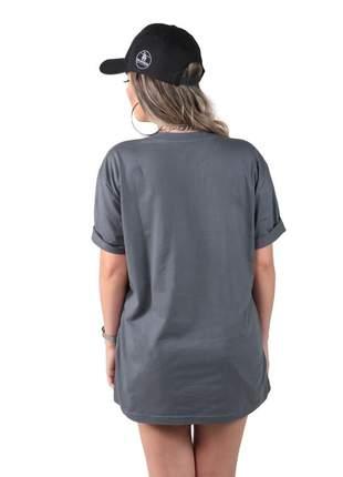 Camiseta oversized born to raise hell cinza estonada