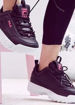 Tênis fila disruptor preto feminino bordado rosa