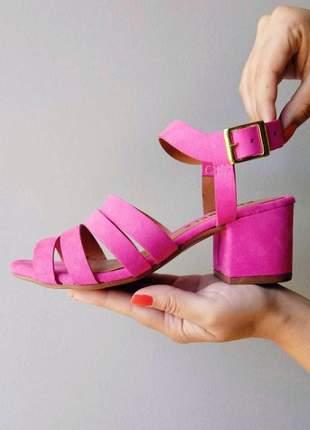 Sandalia nobuk casual rosa
