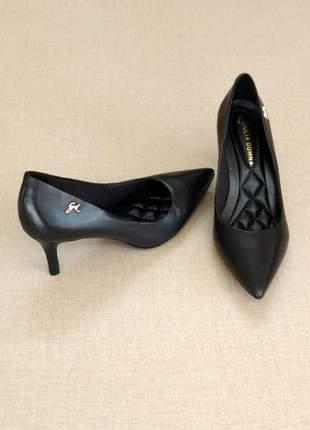 Sapato scarpin em couro