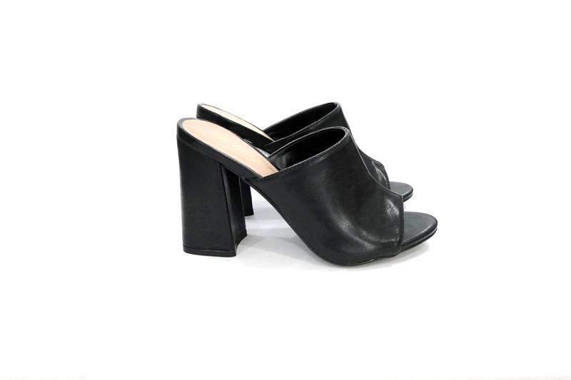 6bb6be722 Sandalia feminina mule preta de salto grosso via uno - R$ 84.91 (de ...