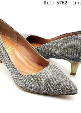 Sapato feminino scarpin sobressalto salto fino lurex dourado