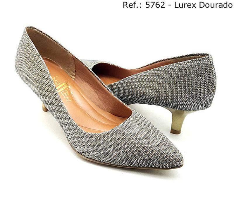 9feab20e16 Sapato feminino scarpin sobressalto salto fino lurex dourado - R ...