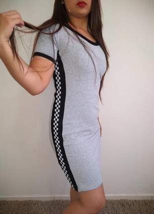 Vestido em moletinho com faixas laterais xadrez 2019