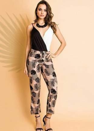 Esta calça super despojada e estilosa, está disponível nos tamanhos p, m, g!