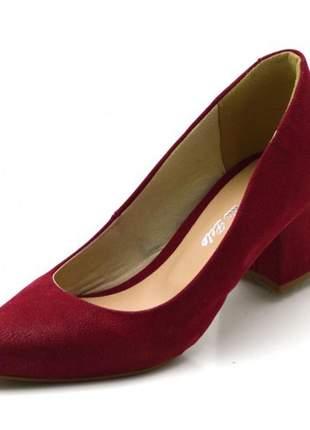 Sapato scarpin salto médio grosso em nobucado vermelho