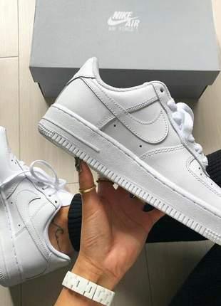 Tenis feminino nike air force  branco