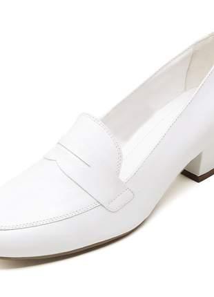 Sapato social feminino branco em couro salto baixo grosso