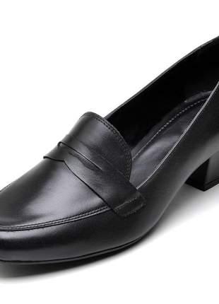 Sapato social feminino preto em couro salto baixo grosso
