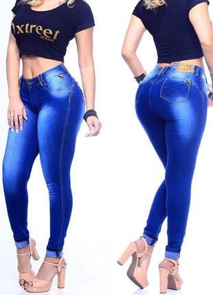 Calça jeans feminina barra dobrada levanta bumbum