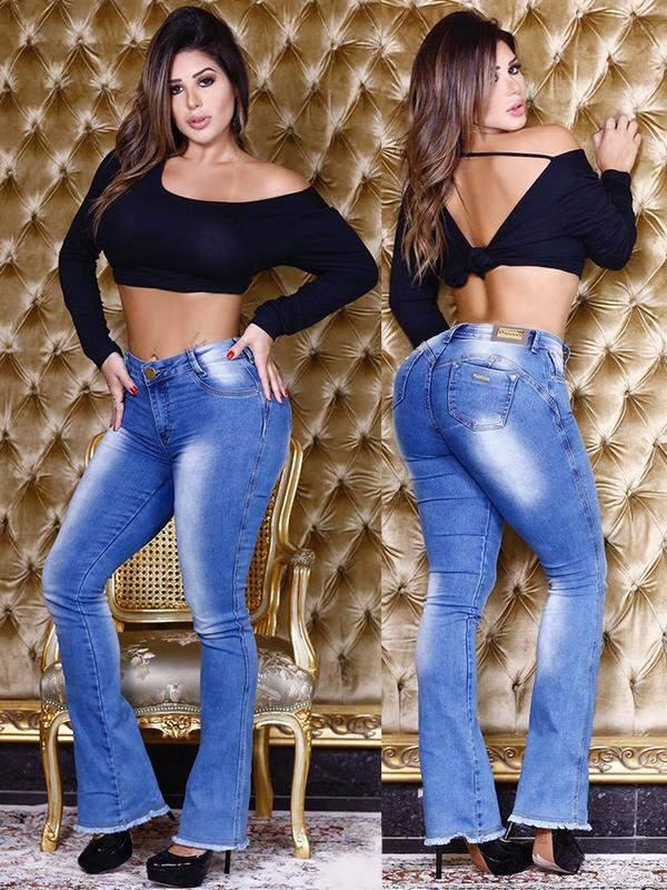 c44327015 Calça jeans flare feminina levanta bumbum - R$ 139.90 (bomber ...