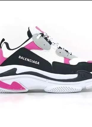 Tênis feminino balenciaga triple s branco e pink