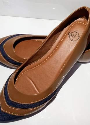 Sapatilha jeans com detalhe em verniz marron sapatilhas da nati linda imperdivel
