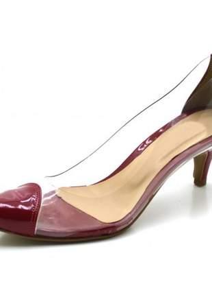 Sapato scarpin salto baixo em napa verniz vermelha com transparência