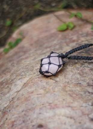 Colar com pedra castroada