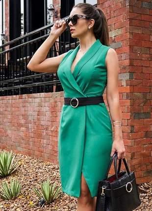 Vestido verde sóbrio - elegante