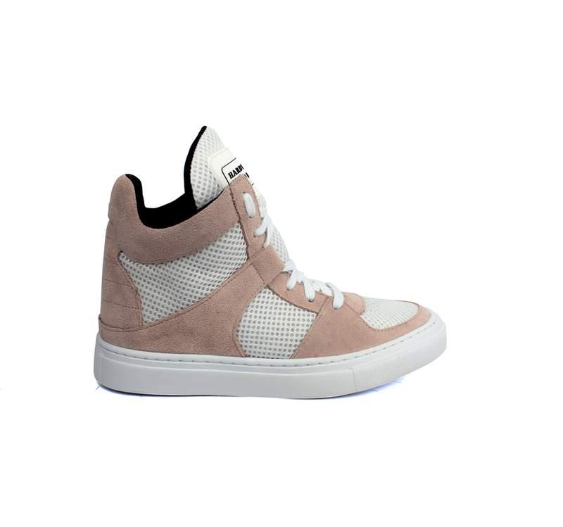 Tênis sneaker moda fitness nude e branco - R$ 199.90, cor