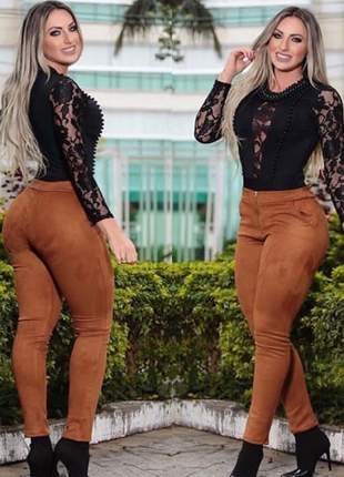 Body feminino estilo blusa manga longa com renda e crepe