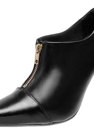 Bota social feminina em couro legítimo 2262 preto