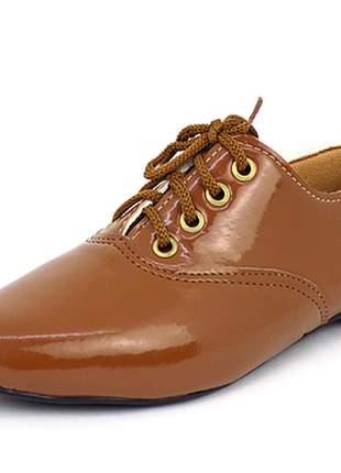 Sapato oxford  bico fino verniz
