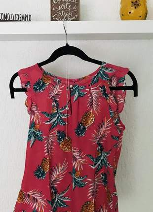 Blusa em crepe com estampa de abacaxi