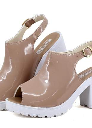 Sandália tratorada plataforma magi shoes salto grosso nude