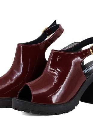 Sandália tratorada magi shoes  salto grosso vermelho