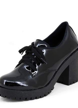 Sapato oxford feminino salto grosso tratorado verniz preto