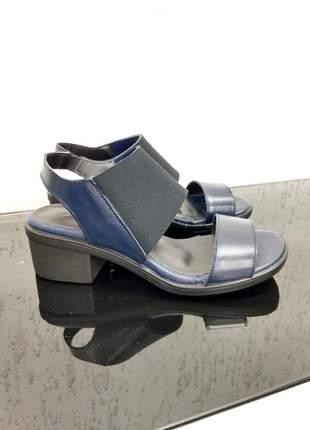 Sandália couro e detalhe em neoprene dali shoes